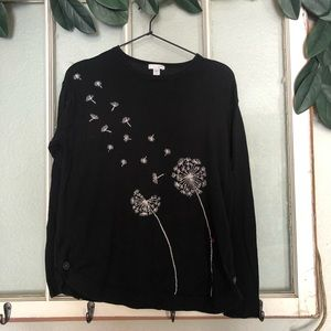 🏔Dandelion sweater ladybug black and white floral